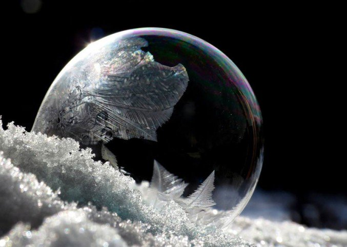 Crystalline-Frozen-Soap-Bubbles-1-677x505